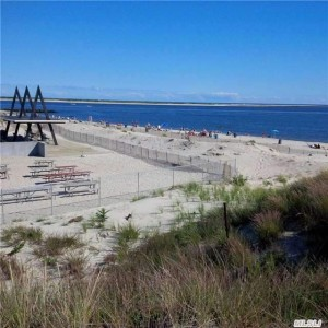 Point Lookout NY beachfront property is available for summer rentals, winter rentals, year round rentals or for sale