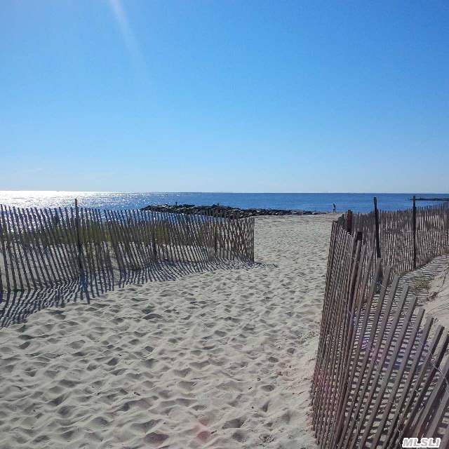 oceanfront beach house rental in Point Lookout NY
